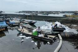 台子漁港加油站柴油外洩5千公升 緊急封港
