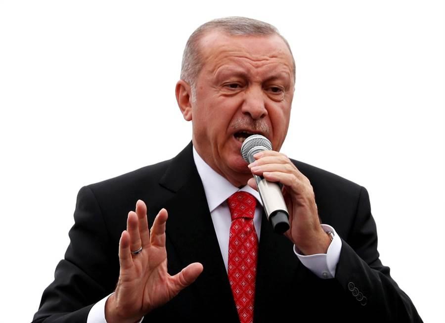 土耳其總統埃爾多安所屬的執政黨AKP輸掉伊斯坦堡市長選舉,埃爾多安聲勢重創。(圖/路透社)