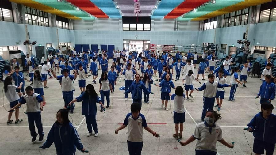 新北市瑞芳國中被教育部選為健康體位特優學校。(教育部提供)