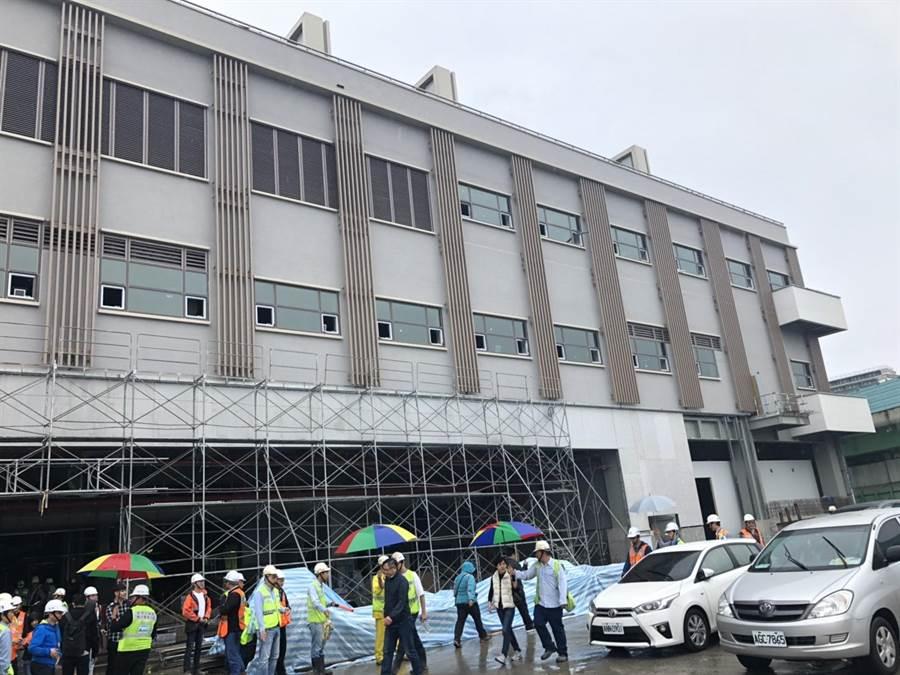 環南市場改建案一期工程預計8月中完工,10月試營運。(吳堂靖攝)