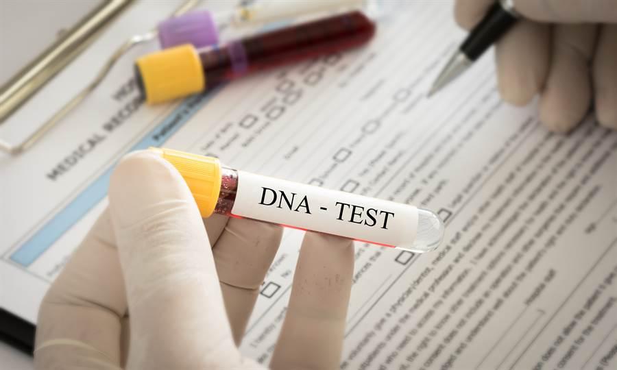情侶驗DNA找生父 女友慘變妹妹(示意圖/達志影像)
