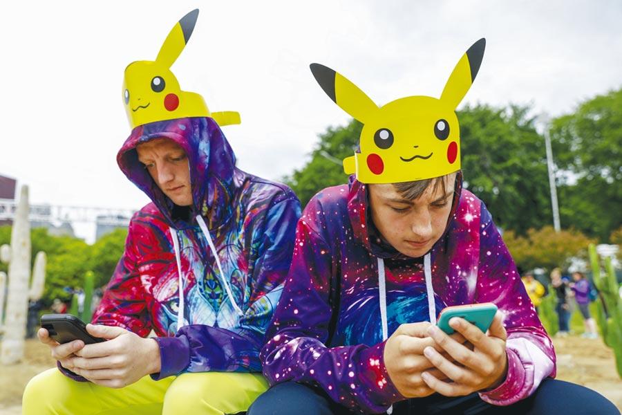 《Pokemon GO》團隊近期推出新作《哈利波特:巫師聯盟》,有望打破《Pokemon GO》推出第一個月就賺進1億美元的紀錄。圖/美聯社
