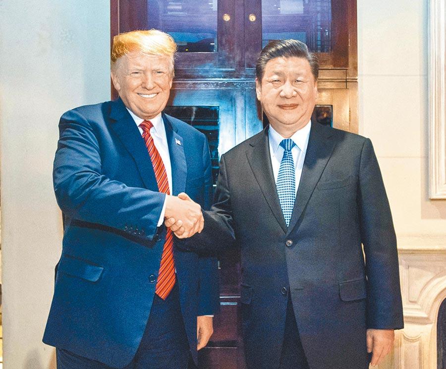 大阪G20習川會可能29日舉行。圖為2018年12月1日,大陸國家主席習近平(右)與美國總統川普在阿根廷布宜諾斯艾利斯會晤。(新華社)