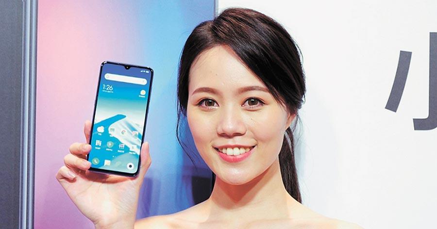 小米第一款女性手機小米CC。(取自T客邦)