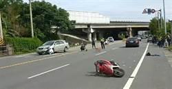 車禍對撞騎士命危 警擋記者拍攝