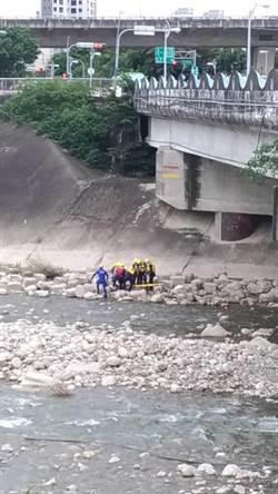 台中東平橋發現女屍 身份待查