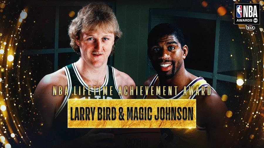 魔術強生與大鳥博德獲終身成就獎。(摘自NBA官推)