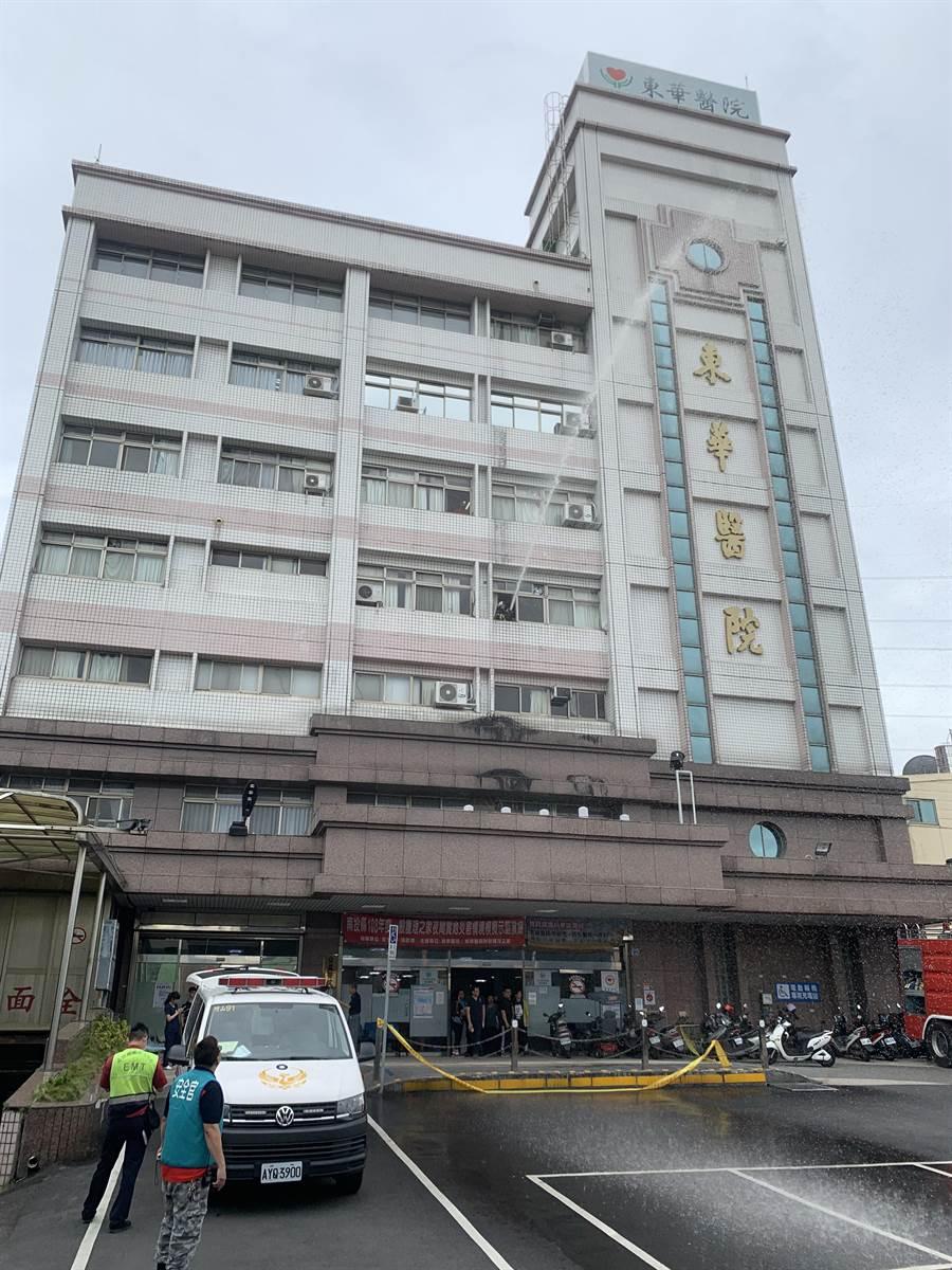 南投縣護理之家災害應變演練,25日在東華醫院登場。(廖志晃攝)