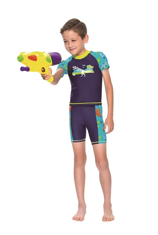 SOGO天母店名人泳裝-男童2件式泳裝,原價1780元、特價1420元,限量30件。(SOGO提供)