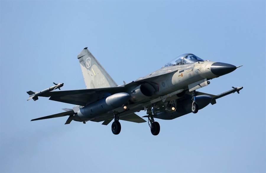 IDF戰機的起落架也是Meggitt負責製作的。(圖/中華民國空軍)