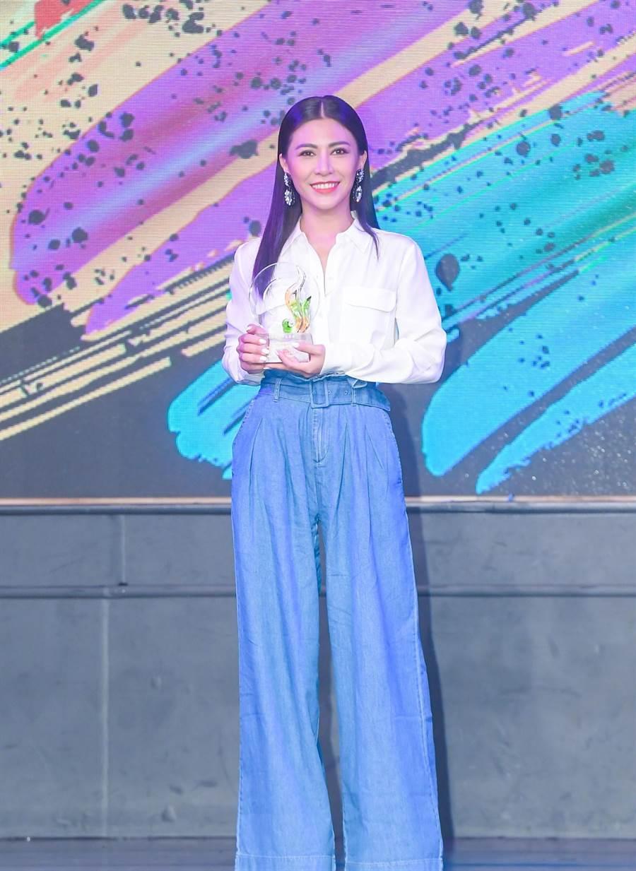 艾怡良今出席「十大專輯暨十大單曲」頒獎典禮。(盧禕祺攝)