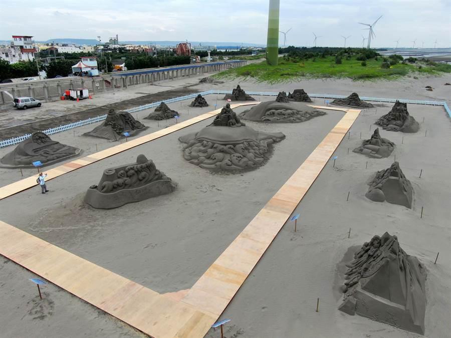 「2019大安沙雕音樂季」動員11位沙雕師創作18座3D作品,歷時14天完成,歡迎遊客同遊海線、嗨翻大安。(王文吉攝)