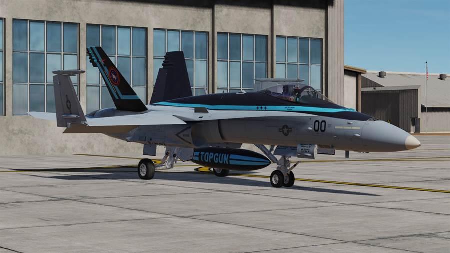 阿湯哥在捍衛戰士2電影裡的彩繪F/A-18超級大黃蜂戰機。(圖/網路)