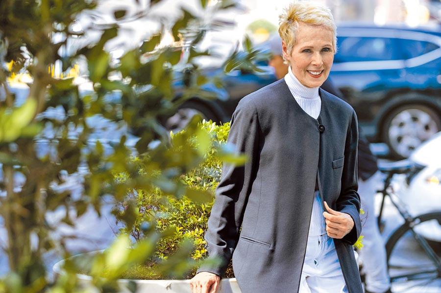 時尚雜誌ELLE專欄作家卡洛爾日前撰文自爆,90年代川普曾在曼哈頓一家百貨公司的更衣室企圖對她性侵。(美聯社)