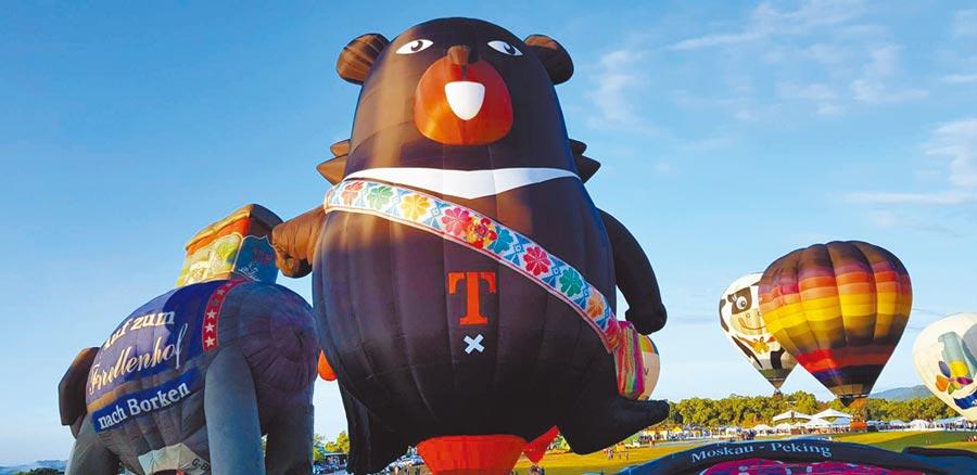 「台灣國際熱氣球嘉年華」周六開跑,台東旅宿業者一房難求。(楊漢聲攝)