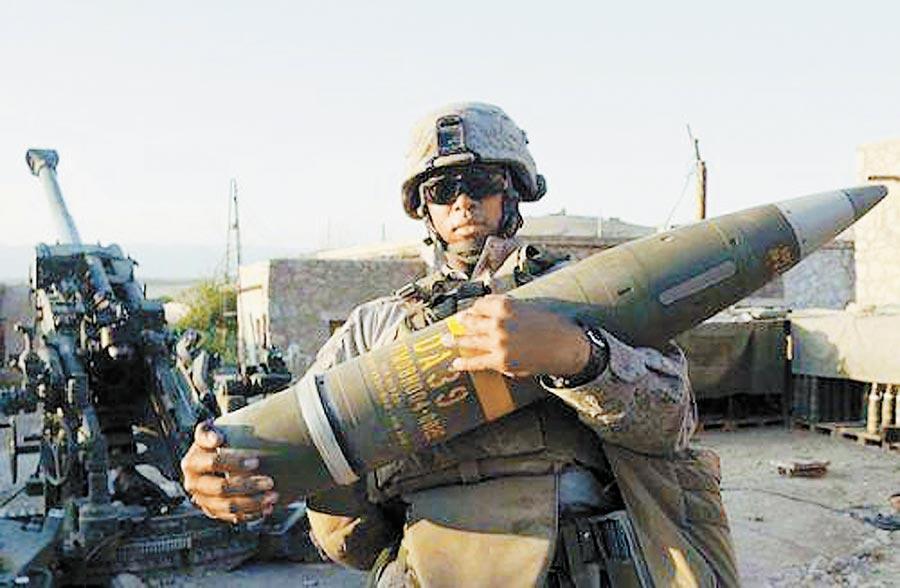 川普政府暫停對台軍售。圖為我擬向美購買的精準炮彈。(摘自美國陸軍網站)
