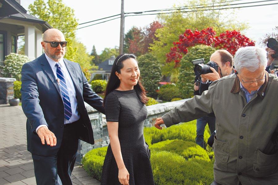 當地時間5月8日,華為前財務長孟晚舟在位於加拿大溫哥華的英屬哥倫比亞省高等法院出庭。(中新社)