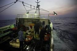綠色和平:民間與官方合力監督非法漁船