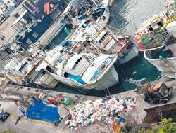 太缺德 東港漁港碼頭堆滿垃圾