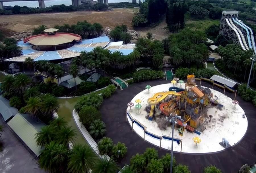 八仙樂園屆滿4週年,園區內遊樂設施凋駁陳舊。(照片/陳威成 拍攝)