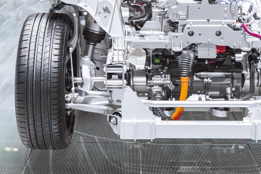 平田機工在洛克威爾自動化提供的支援下,設計出最佳化的軸向架構和程式設計,並使用全新的ACS概念成功製作出擺設區域更小、大規模、高速、高精準度和精密度的生產機械。圖/洛克威爾自動化提供