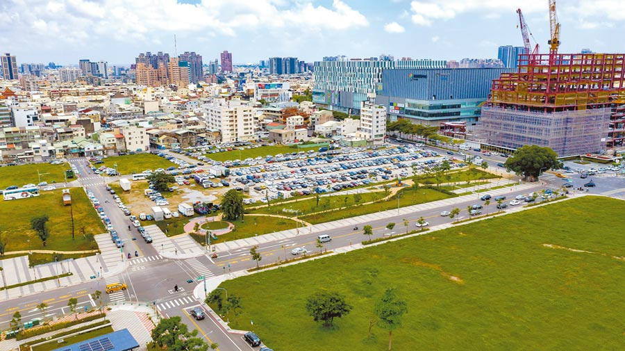 台南市平實營區市地重劃區商業區抵費地已順利標出,未來將打造成為東台南指標性現代化商業地帶。(曹婷婷翻攝)
