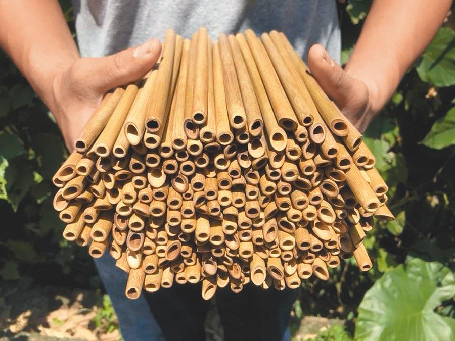 店家指出,唯有竹吸管可完全分解,能100%會分解在地表,為真正的零垃圾低排碳用品。(翻攝元泰竹藝社FB)