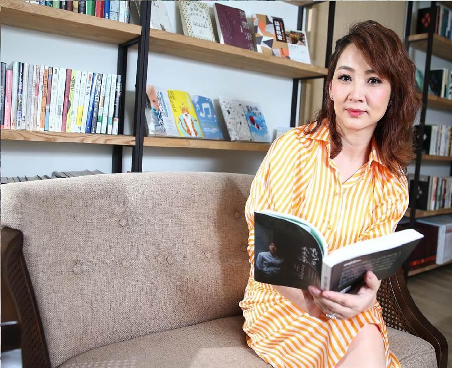 郁方在新書提及從小與母親的關係。(粘耿豪攝)