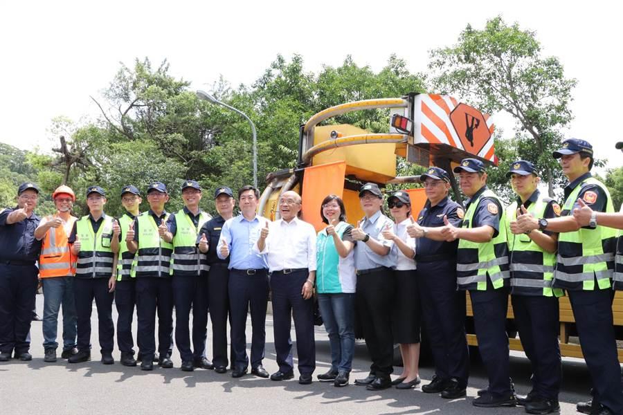 行政院核准动支第二预备金近2800万元,委外租用大型货车加装缓撞设备共9辆。