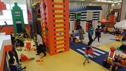 暑假到 百貨公司設主題樂園供家長溜小孩