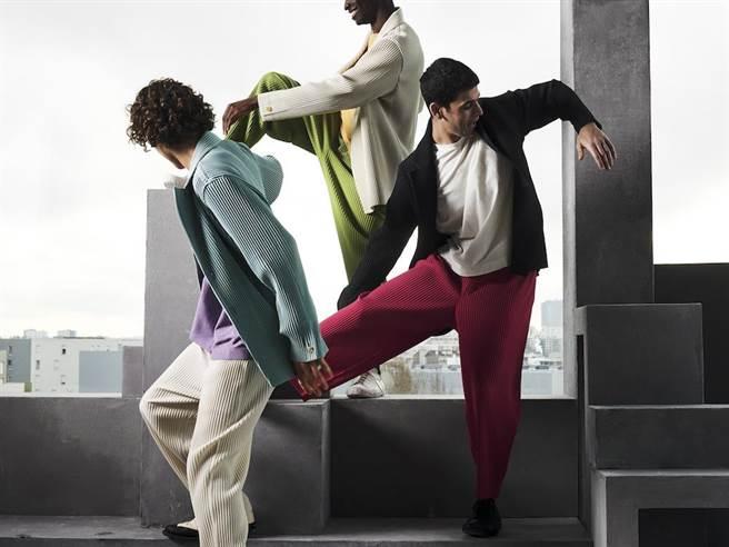 HOMME PLISSÉ ISSEY MIYAKE是以Miyake Pleats縐作為基底發展的男裝品牌。(ISSEY MIYAKE提供)
