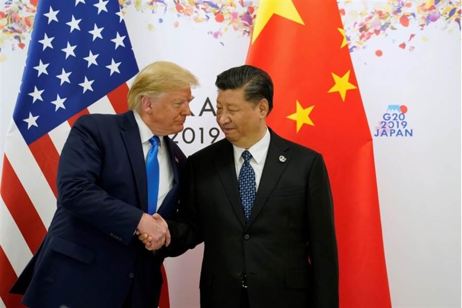 「習川會」在80分鐘後結束,川普在會後表示,美國與中國重新回到正軌,與習近平的會面非常好,中美雙方將很快出聲明。央視報導,中美元首同意重啟兩國經貿磋商。(路透社)