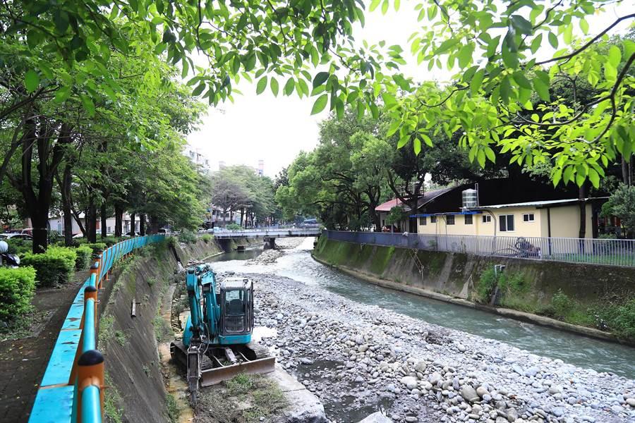 綠川三期南區信義南街至大明路段今日動土,改善河岸長度2.2公里。(陳世宗攝)