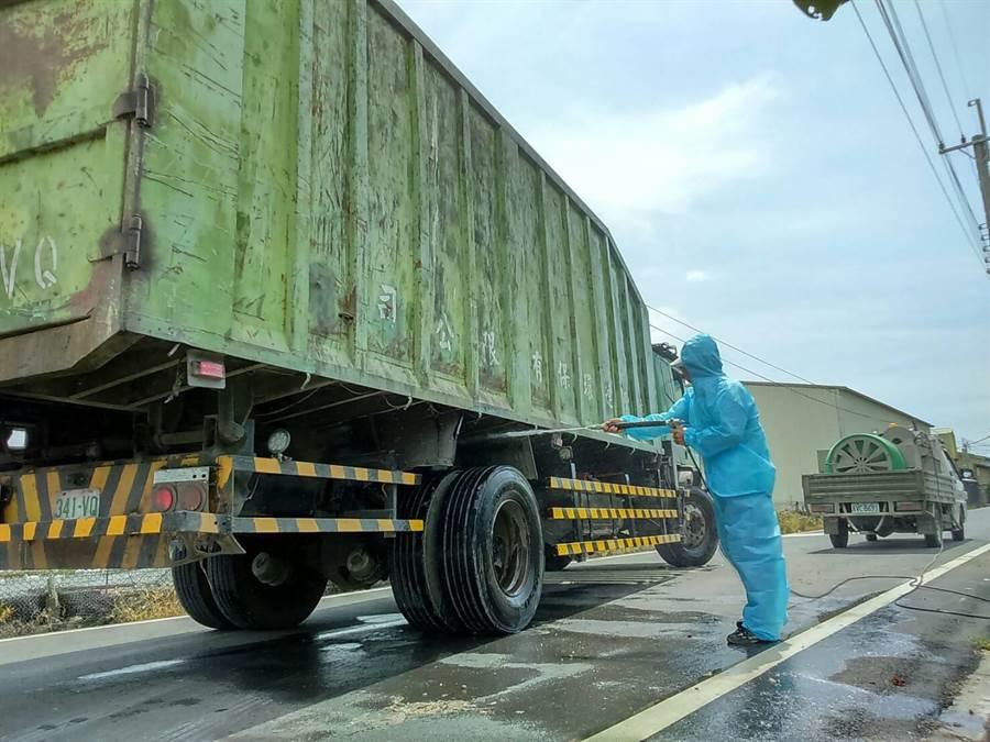 大城乡接连发生土鸡场感染高原性禽流感,今天再扑杀新增感染的一场,共计扑杀1万7686只土鸡。