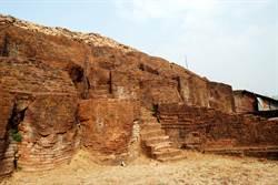 水庫乾涸現3千年前宮殿 專家驚呼