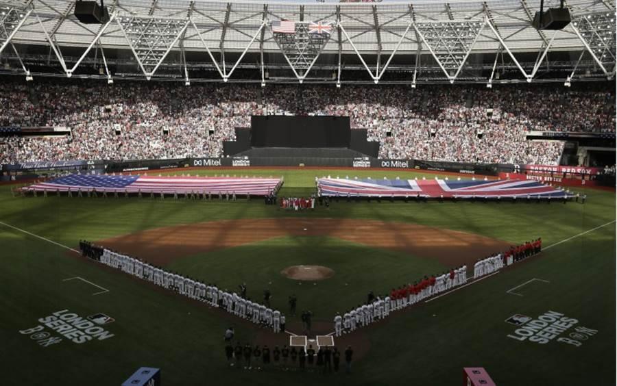 大聯盟首場歐洲例行賽在英國倫敦球場舉行。(美聯社)