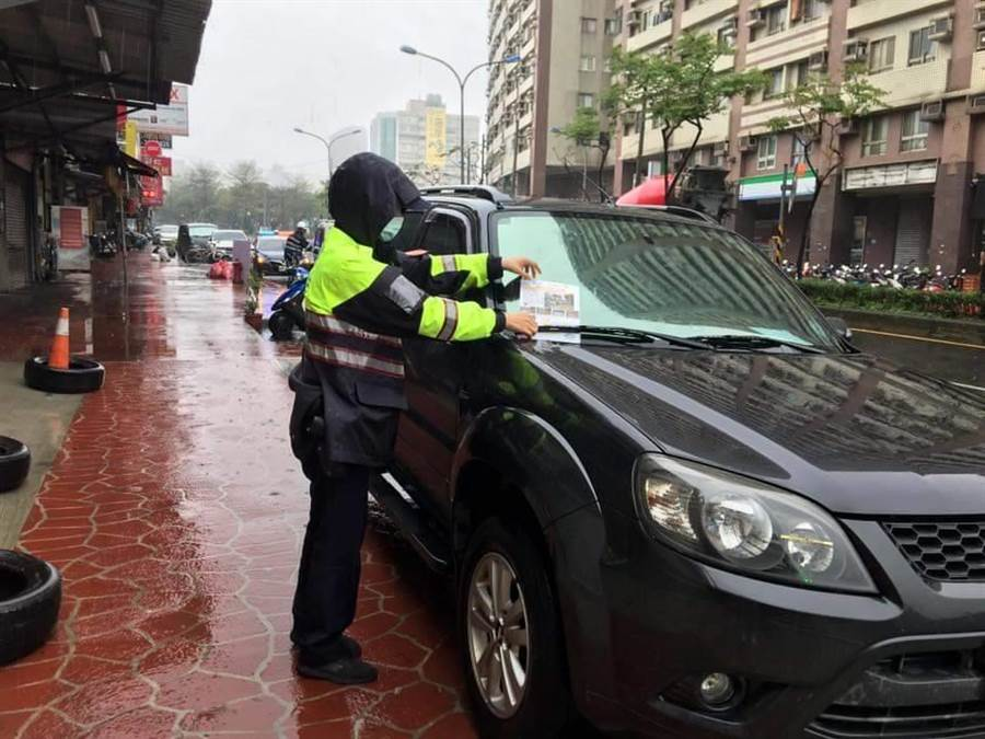 7月1日起酒駕罰則即將修正實施新制,警方也呼籲將嚴正執法。(賴佑維翻攝)