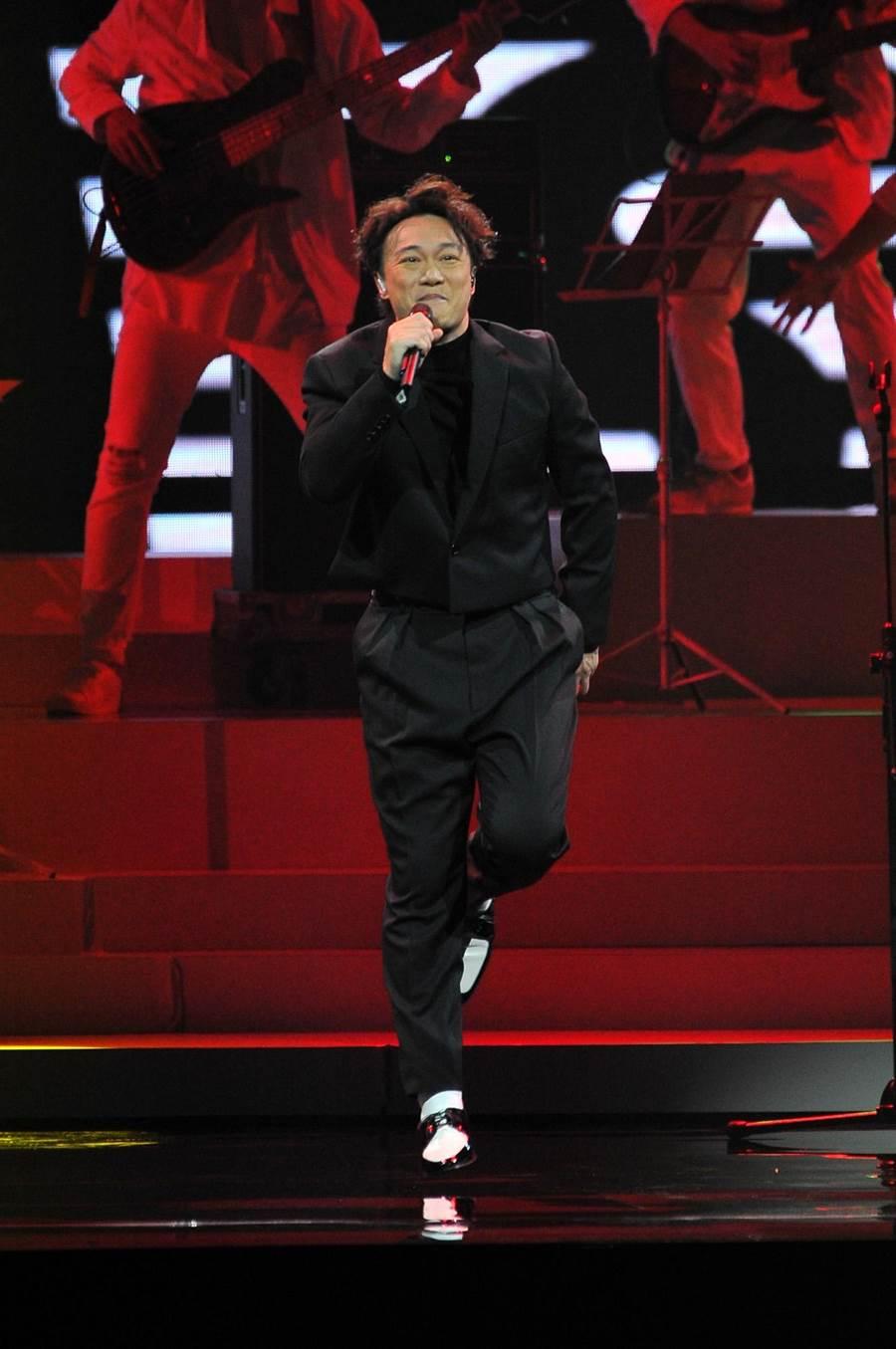 陳奕迅擔任金曲獎頒獎典禮表演嘉賓,一開場就獲滿堂彩。台視提供