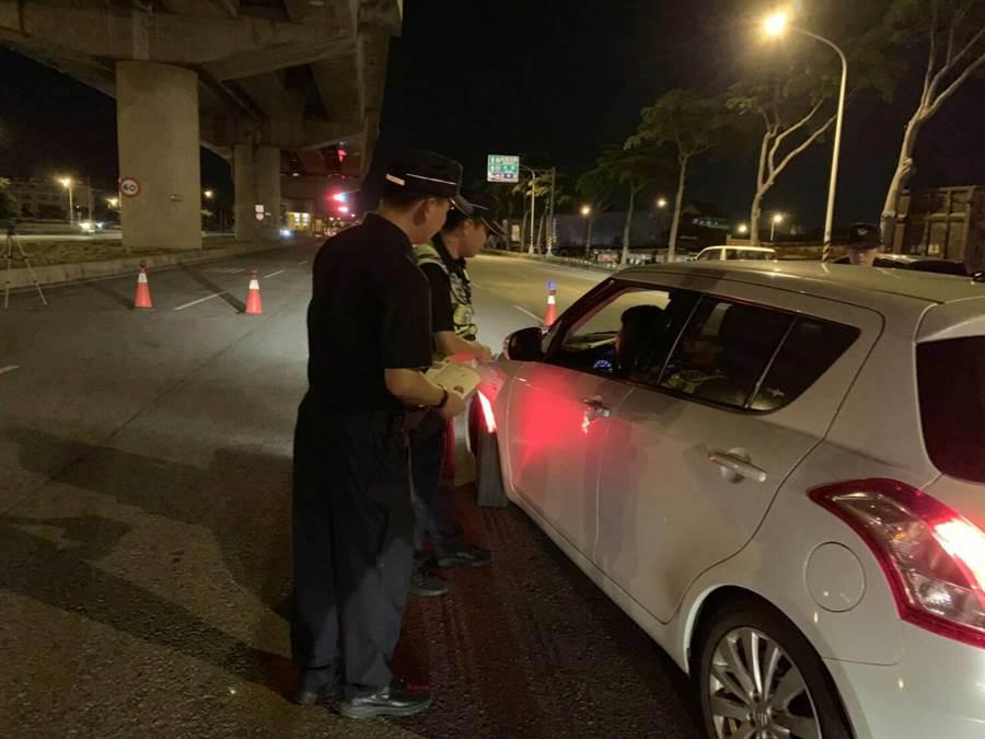 清水警分局進行交通大執法有斬獲。(陳淑娥攝)