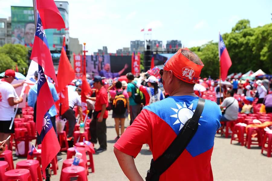 韓國瑜新竹封關場一早就吸引大批挺韓民眾參加。(徐養齡攝)