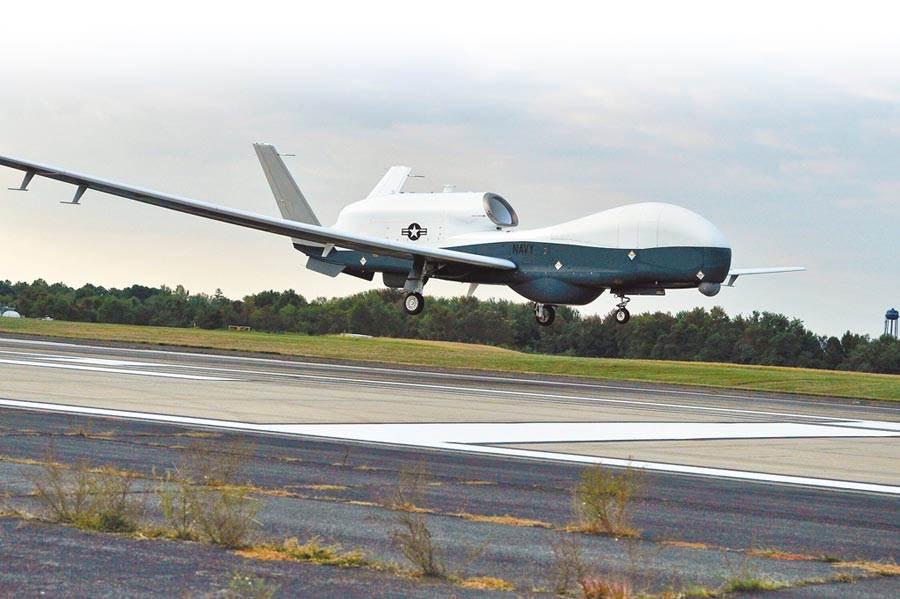 伊朗日前擊落1架美軍「全球鷹」無人偵察機。(路透)