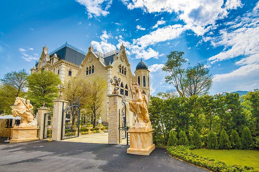 近期觀光工廠越蓋越氣派,圖為今年新評鑑入選的妮娜巧克力夢想城堡。(取自觀光工廠自在游官網)