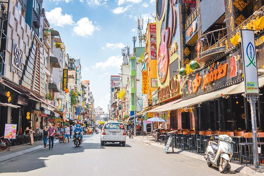 越南機會和挑戰並存,圖為胡志明市。(CFP)