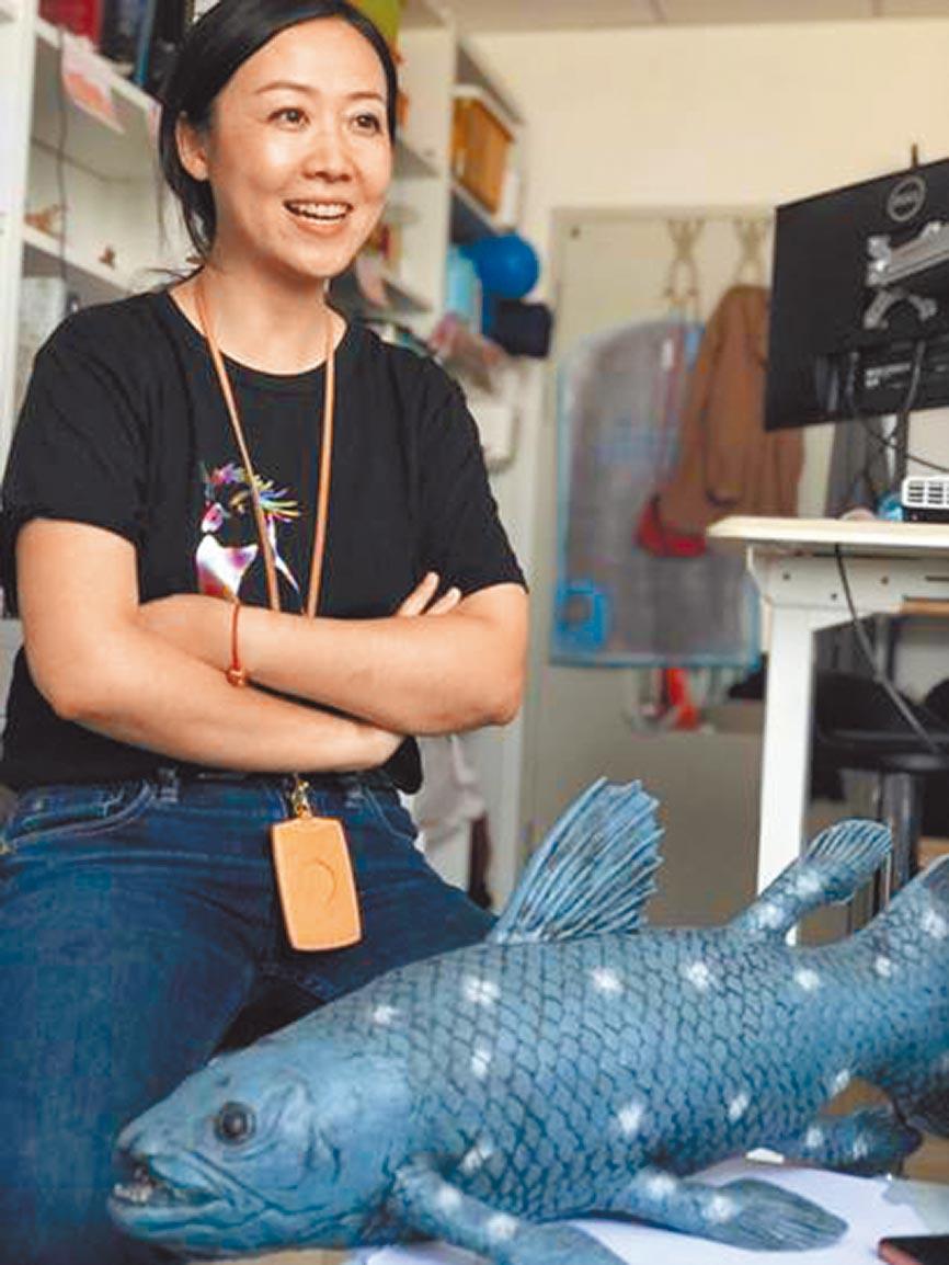 中國科學院古脊椎動物與古人類研究所副研究員盧靜。(取自新華網)