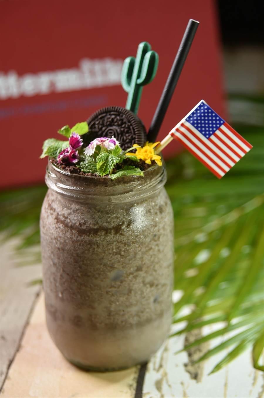 慶祝羹國國慶,7/1日至7/7日到〈BUTTERMILK〉用餐單桌消費滿1776元就送一杯「啤酒奶昔」。(圖/姚舜)
