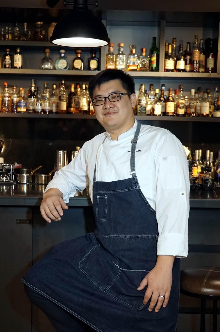 台北中山意舍酒店〈Buttermilk〉摩登美式餐廳新任主廚Jason周建宏,曾先後擔任新加坡君悅酒店〈Mezza 9〉餐廳與新加坡南岸JW萬豪酒店的 廚師長。(圖/姚舜)