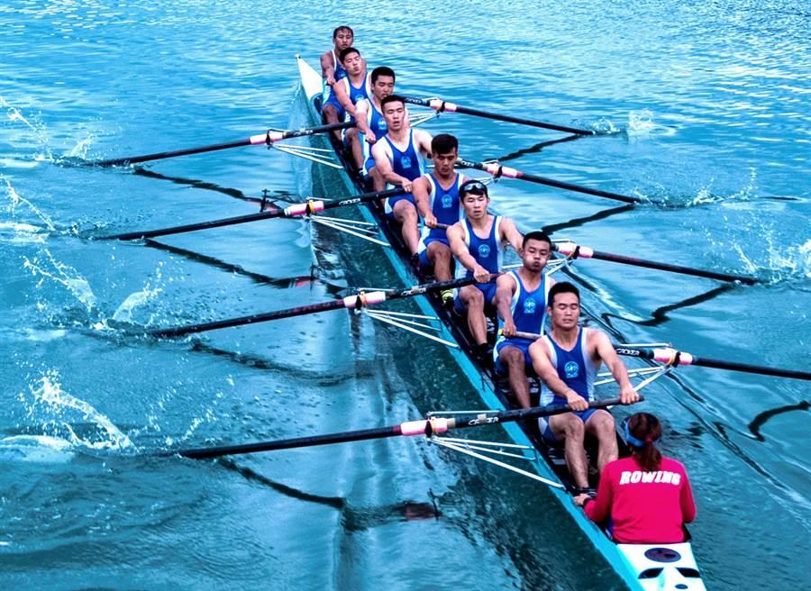 ▲國立暨南國際大學划船隊代表台灣參加2019南昌世界名校賽艇邀請賽勇奪亞軍殊榮。(暨大提供)