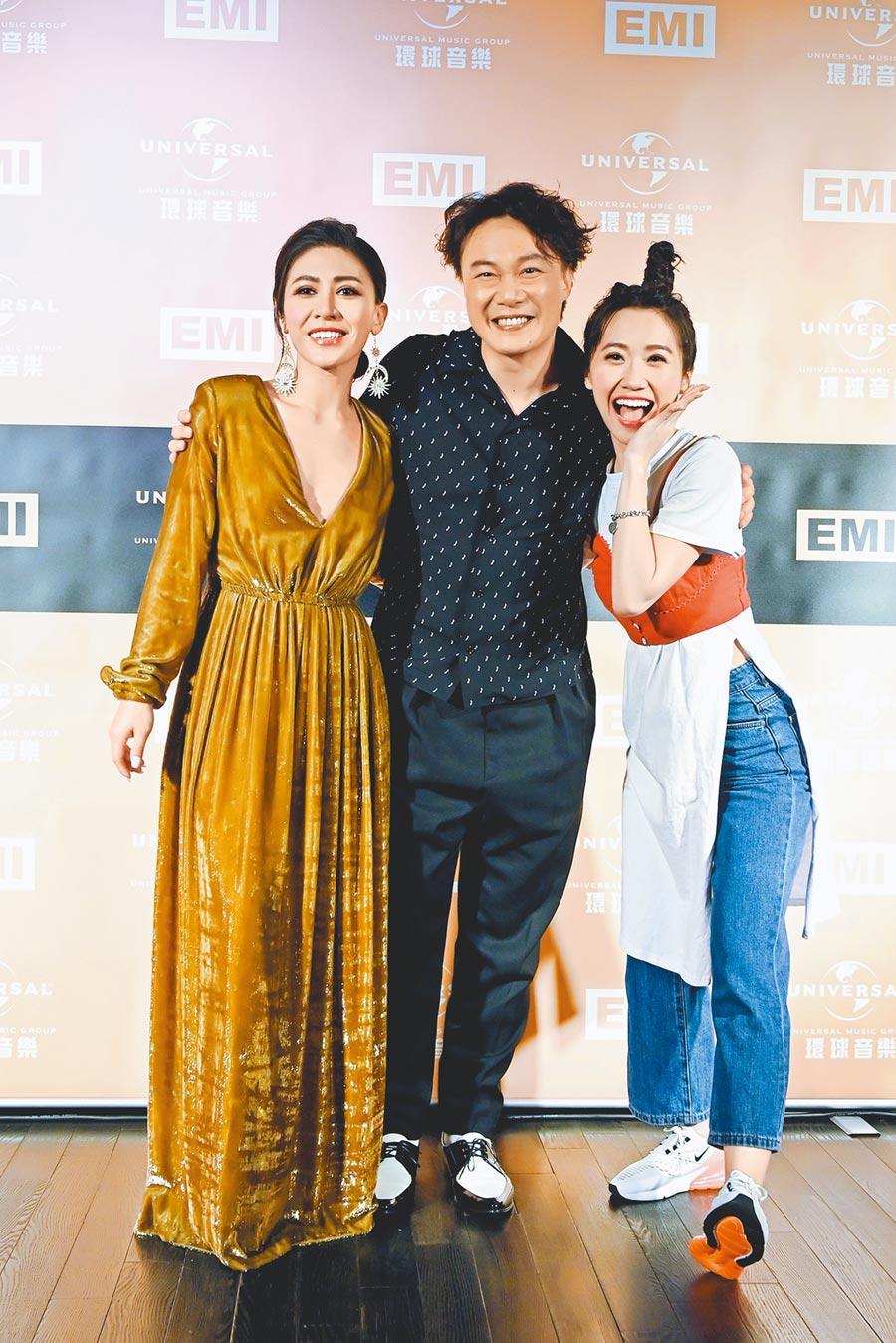 艾怡良(左起)、陳奕迅、LuLu在金曲獎結束後,齊聚環球EMI慶功宴。