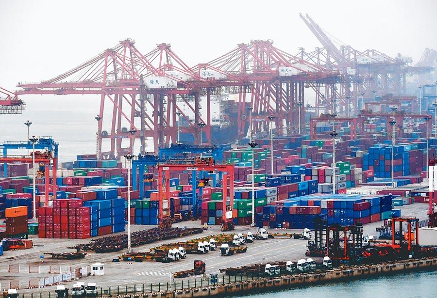 忙碌的廈門海天碼頭。(中新社資料照片)