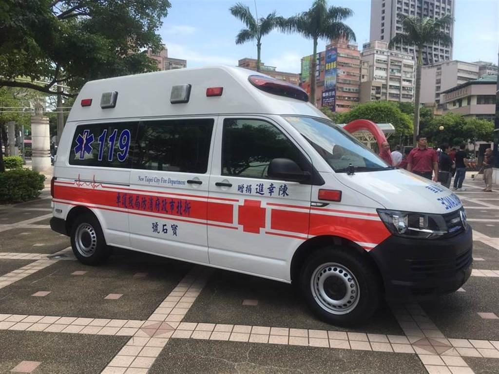 今天起,妨礙救護車執勤最高可罰九萬元。(資料照,吳家詮翻拍)